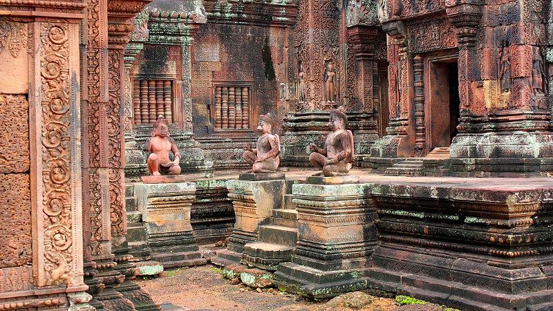 Banteay Srey Temple